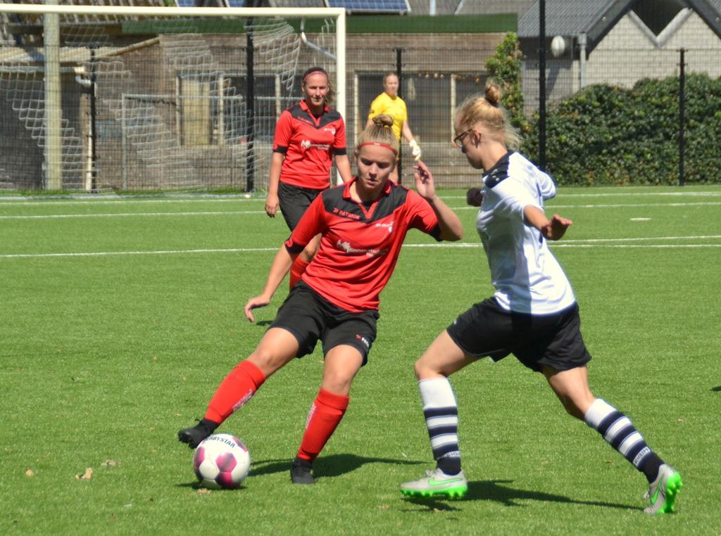 Vrouwen 1 wint doelpuntrijk gevecht bij Berkum