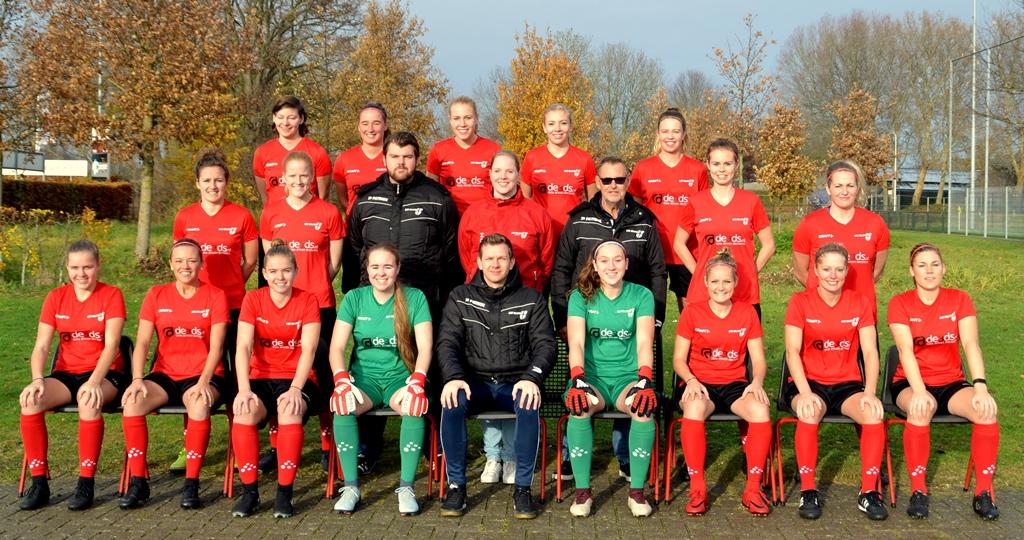 Vrouwen 1 zoekt elftalleider en grensrechter