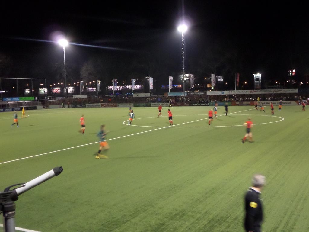 Vrouwen 1 verliest met 1-3 van Ajax